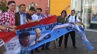 طرفداران تیمهای آرژانتین و کرواسی به پیشواز مسابقه پیشرو رفتند