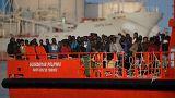 """Avramopoulos contra """"Guantánamo para migrantes"""""""