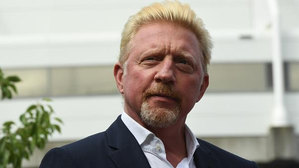 Kényszerű online licit Boris Becker-relikviákra