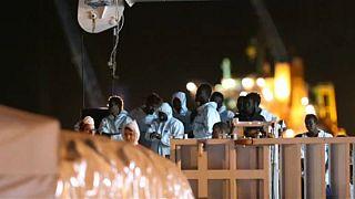 Commissione europea: no a una Guantanamo europea per migranti