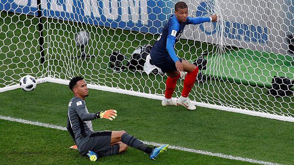 Mbappé führt Frankreich ins Achtelfinale - 1:0 gegen Peru