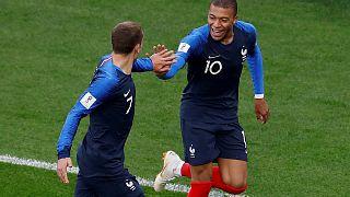 Mbappé apura França para os 'oitavos' do Mundial