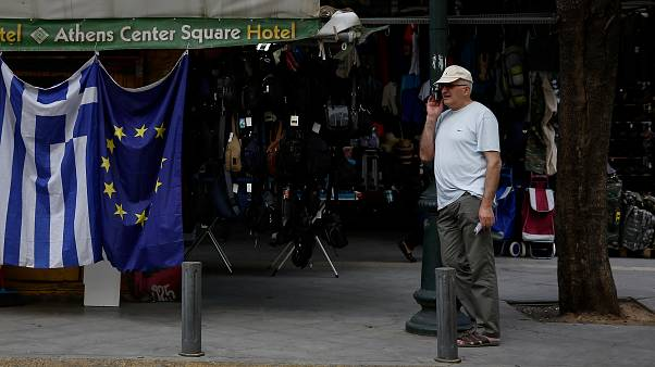 Grecia pone fin a ocho años de rescates