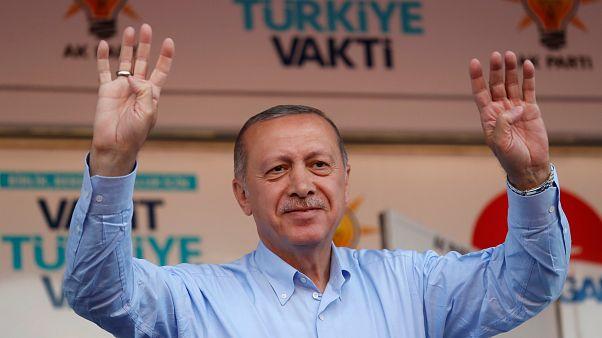 إردوغان يقول إنه سيخفض عدد الوزارات في حال فوزه في الانتخابات