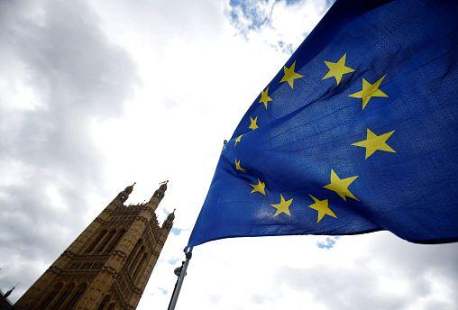 EU-Bürger in Großbritannien dürfen nach dem Brexit für 74 € bleiben