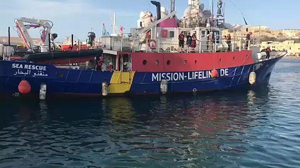 Újabb afrikaiakkal teli hajót küld el Olaszország
