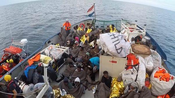 Os barcos das ONG incentivam à travessia do Mediterrâneo?