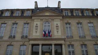 فرنسا: نقابة غاضبة من ماكرون تقطع الغاز عن قصر الإليزية
