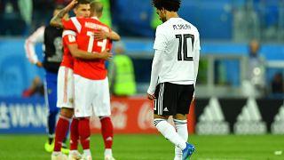 مصر تلجأ لفيفا بسبب التحكيم في مباراة روسيا