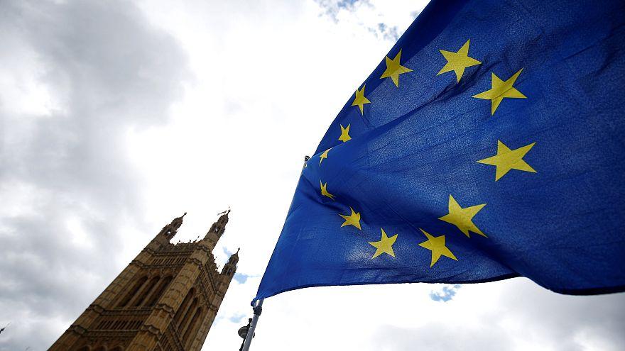 Brexit, cosa dovranno fare i cittadini UE che vogliono rimanere in UK