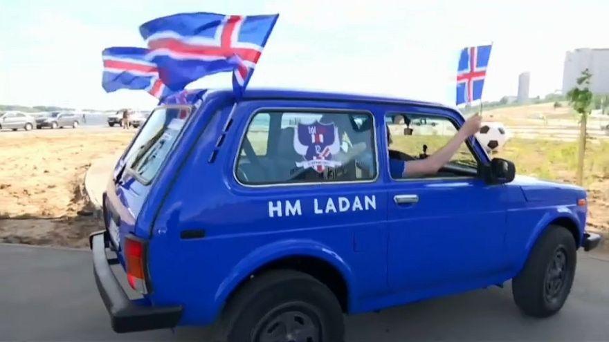 Mondiali: 5000 km su una Lada per vedere l'Islanda