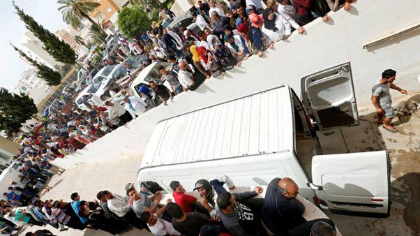 تونس تعتقل مهرباً نظم رحلة غير شرعية غرق فيها عشرات المهاجرين