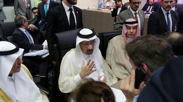 OPEC'ten petrol üretimini arttırma kararı