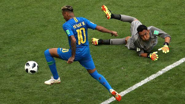 Второй гол на последней минуте дополонительного времени забил Нейма.
