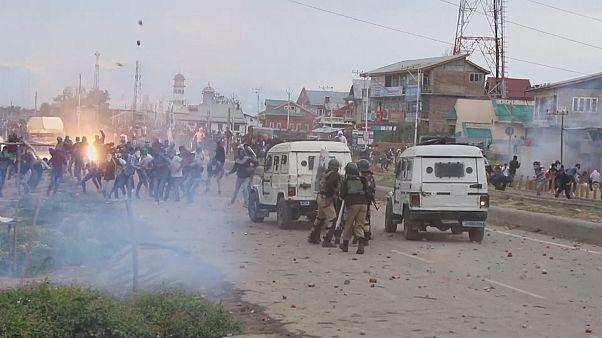 Violents affrontements au Cachemire