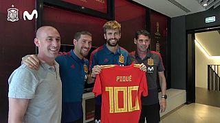 Homenaje a Piqué por sus cien partidos con la Roja
