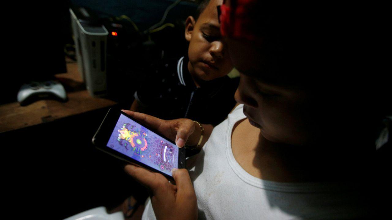A gyerekek és a közösségi oldalak veszélyei