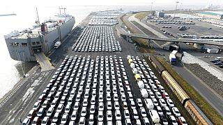ترامپ از احتمال وضع تعرفه ۲۰ درصدی بر واردات خودروهای اروپایی سخن گفت