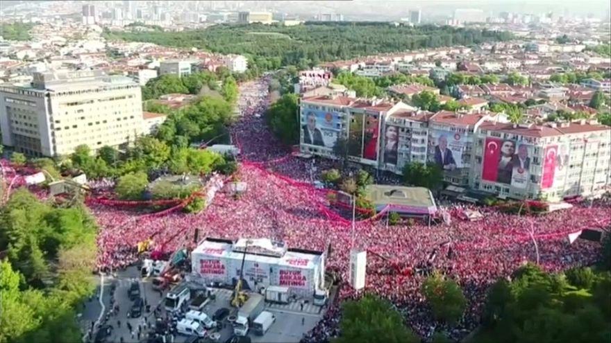 Turchia verso il voto. In gioco il progetto di Erdogan