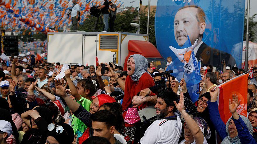 Schafft Erdogan die 50 %? Herausforderer will TV-Duell