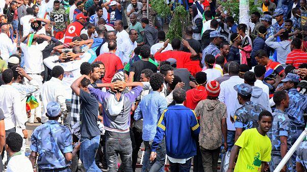 Gránát robbant egy nagygyűlésen az etióp fővárosban