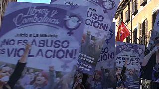 """Spagna: indignazione e proteste contro il """"branco di lupi"""""""