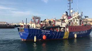 ЕС: кто заберет мигрантов c Lifeline?