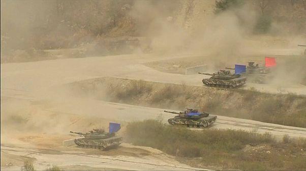 Les Etats-Unis suspendent leurs exercices militaires avec la Corée du Sud, le temps de négocier avec la Corée du Nord sur le nucléaire