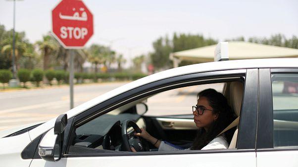 Саудовские женщины садятся за руль