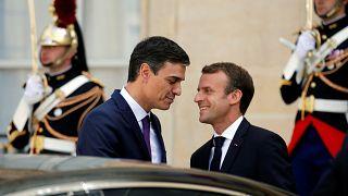 """França e Espanha querem """"centros fechados"""" para migrantes"""