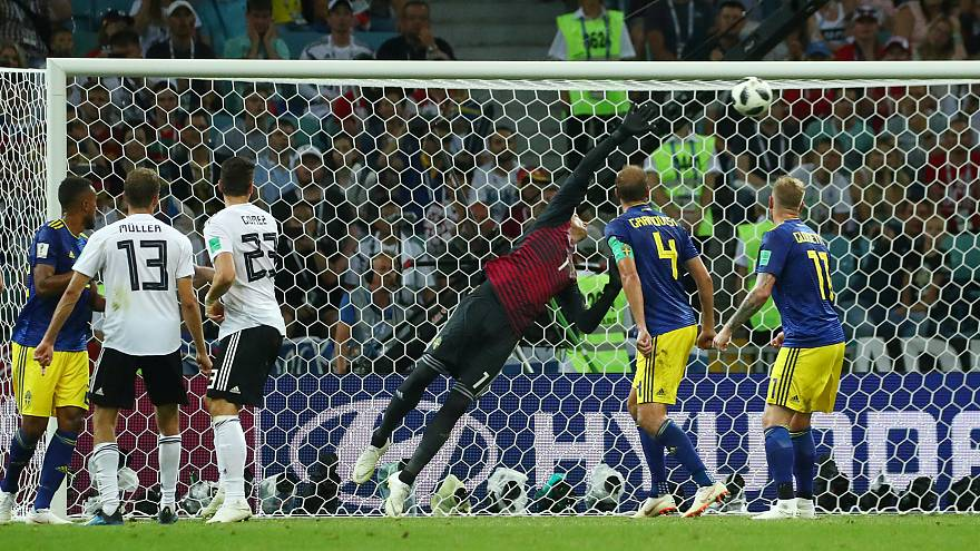 Alemanha vence Suécia por 2-1