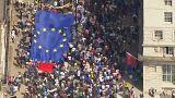 """100 ألف بريطاني يخرجون في مسيرة ضد """"البريكست"""""""