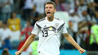 Германия одержала победу над шведами в труднейшем матче