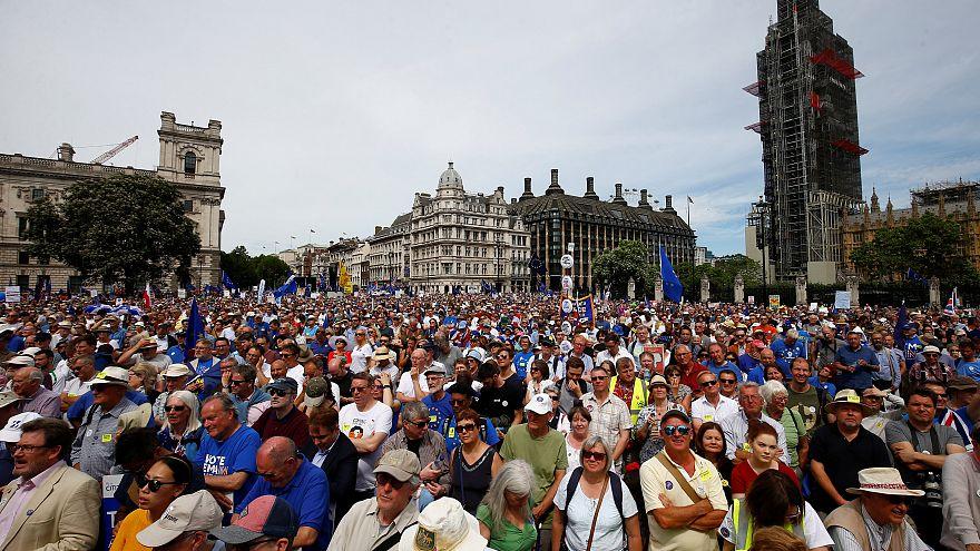 Riesiger Protestmarsch gegen Brexit in London