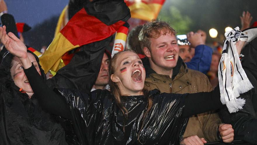 Nach 2:1 gegen Schweden: Freude bei deutschen Fans