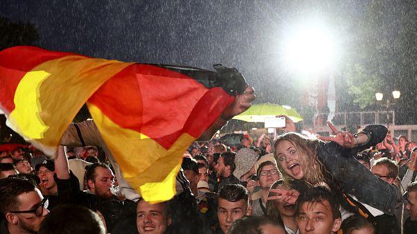 Μουντιάλ 2018: Οι Γερμανοί πανηγυρίζουν, οι Σουηδοί κλαίνε...