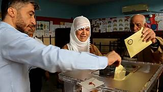 Los turcos eligen en las urnas al nuevo Parlamento y al presidente