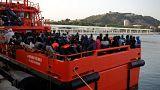 800 migranti soccorsi in Spagna, Lifeline in attesa