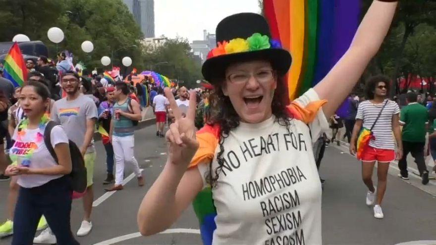 Messico, 250mila al Gay Pride per diritti omosessuali e LGBT