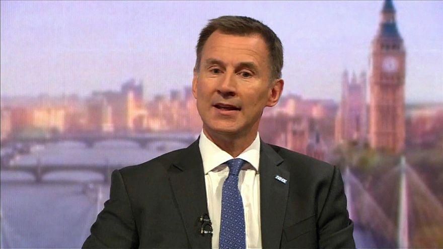 Ministro britânico critica ameças das empresas