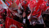 Elecciones en Turquía: Erdogan se atribuye la victoria, pero la oposición confía en la segunda vuelta
