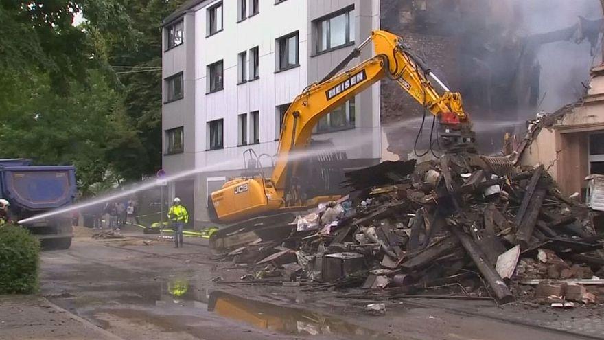 Explosion devastates apartment building in Germany