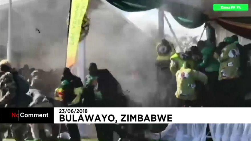 Simbabwe: Präsident Mnangagwa entkommt knapp Explosion