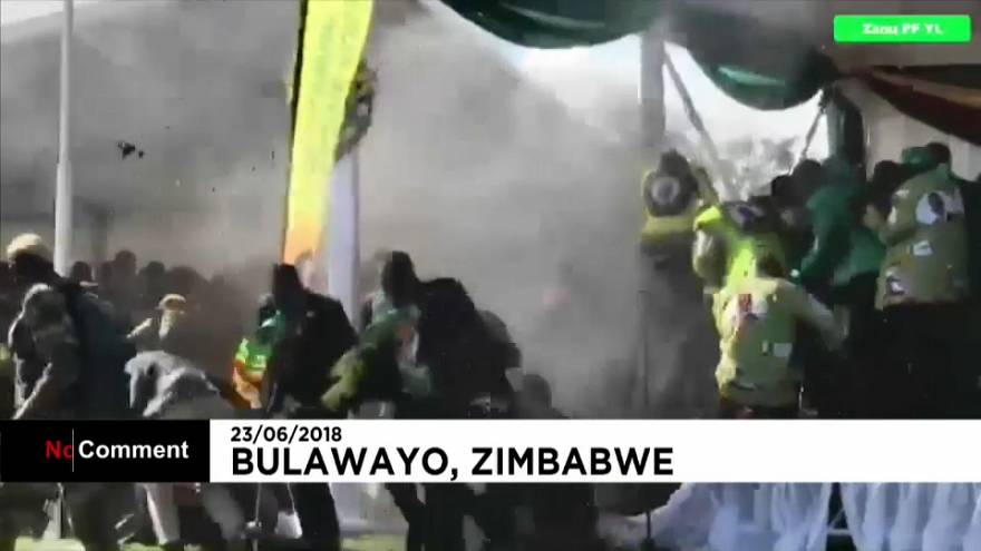Zimbabwe, esplosione allo stadio: illeso il successore di Mugabe