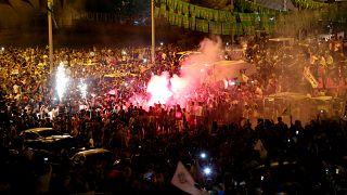 آلاف الأكراد يحتفلون بالفوز في انتخابات البرلمان رغم التعتيم والملاحقة