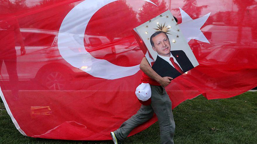 Überschattet von Manipulationsvorwürfen: Erdogan zum Wahlsieger erklärt