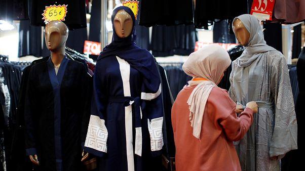 Photo prétexte musulmans cibles groupe d'extrême droite en France.