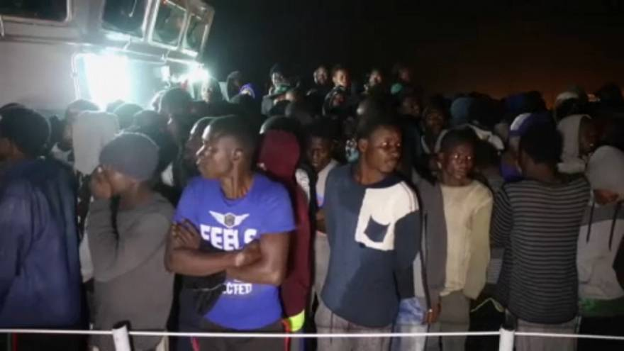 Ezreket fordít vissza a líbiai parti őrség