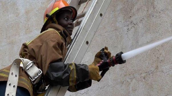 Mehr und mehr Frauen bewerben sich bei Kenias Feuerwehr
