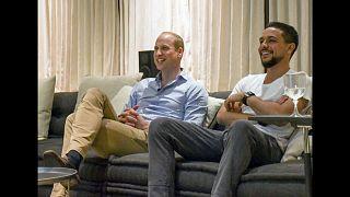 شاهد: الأمير البريطاني وليام تابع مباراة إنجلترا مع ولي عهد الأردن